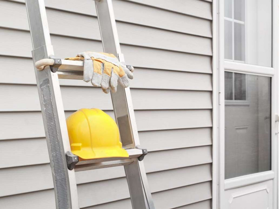 Is Your Home's Exterior in Need of Siding Repair?